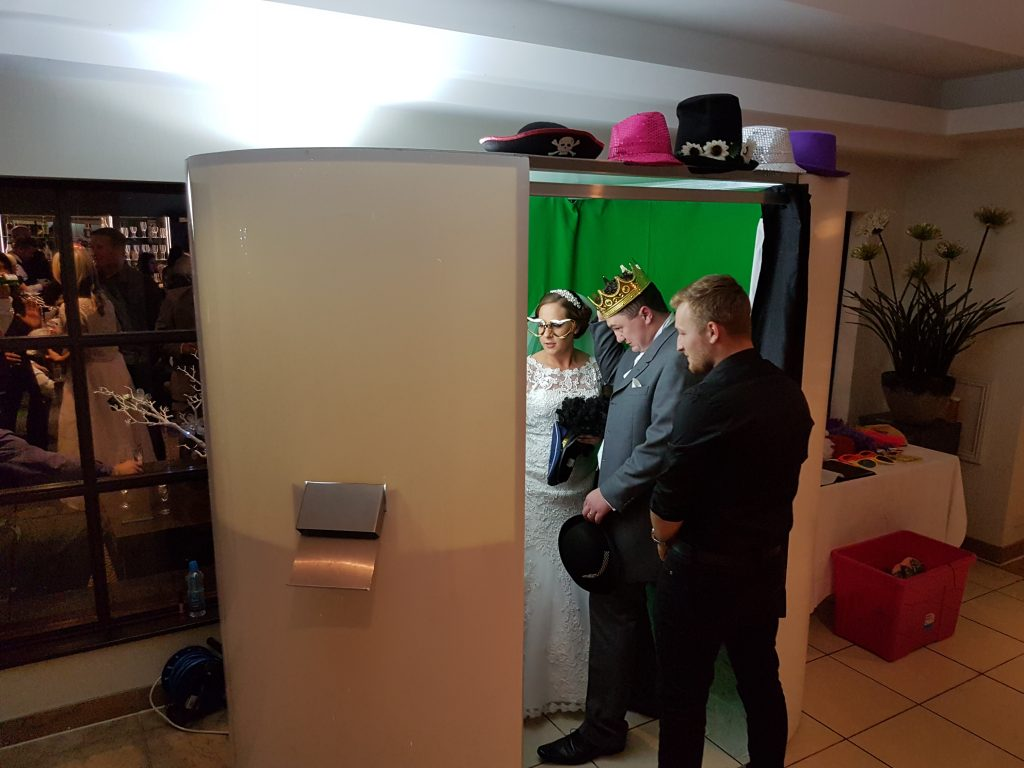 photo booth hire wigan