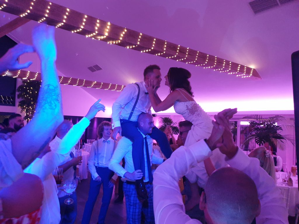 wedding dj staining lodge