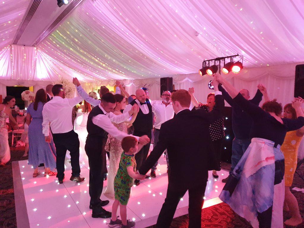 wedding party dj villa levens